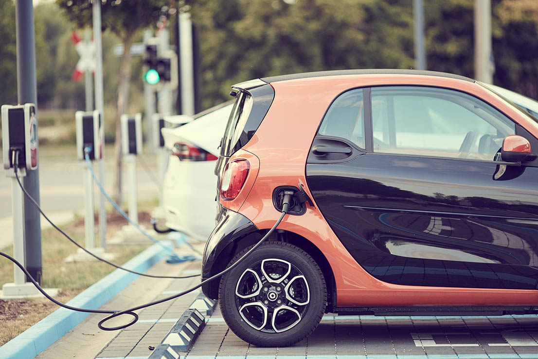 Fiscalidad subvenciones coche eléctrico